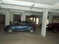 13J7U00001: parking 1