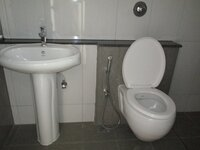 15M3U00214: Bathroom 2