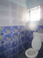 13J7U00199: Bathroom 1