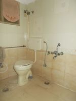 13J7U00030: Bathroom 1