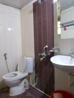 13M3U00050: Bathroom 1