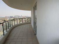 13A4U00329: Balcony 3