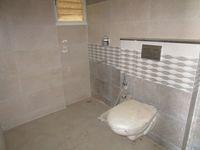 13A4U00329: Bathroom 2
