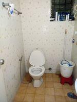 12M5U00358: Bathroom 1