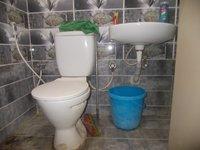 13OAU00209: Bathroom 1