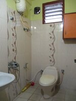 15A4U00225: Bathroom 1