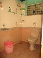 11NBU00132: Bathroom 1
