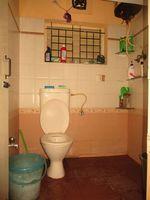 11NBU00132: Bathroom 2