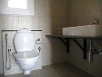 15OAU00219: Bathroom 2
