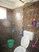 13J6U00347: Bathroom 1