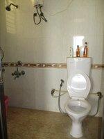 15J7U00179: Bathroom 2