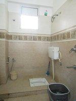 13S9U00049: Bathroom 2