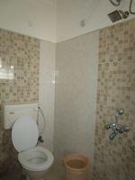 13A4U00059: Bathroom 1