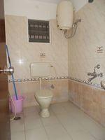 12OAU00130: Bathroom 2