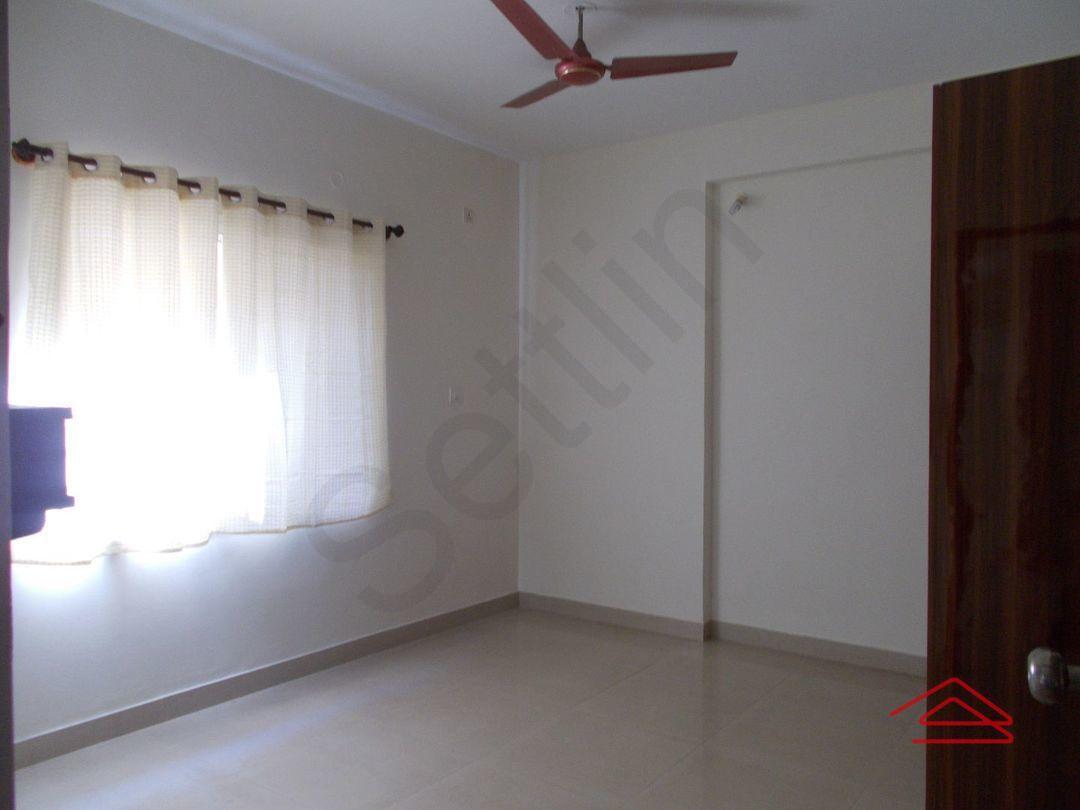 12OAU00130: Bedroom 1