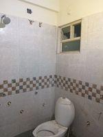 12S9U00099: Bathroom 1