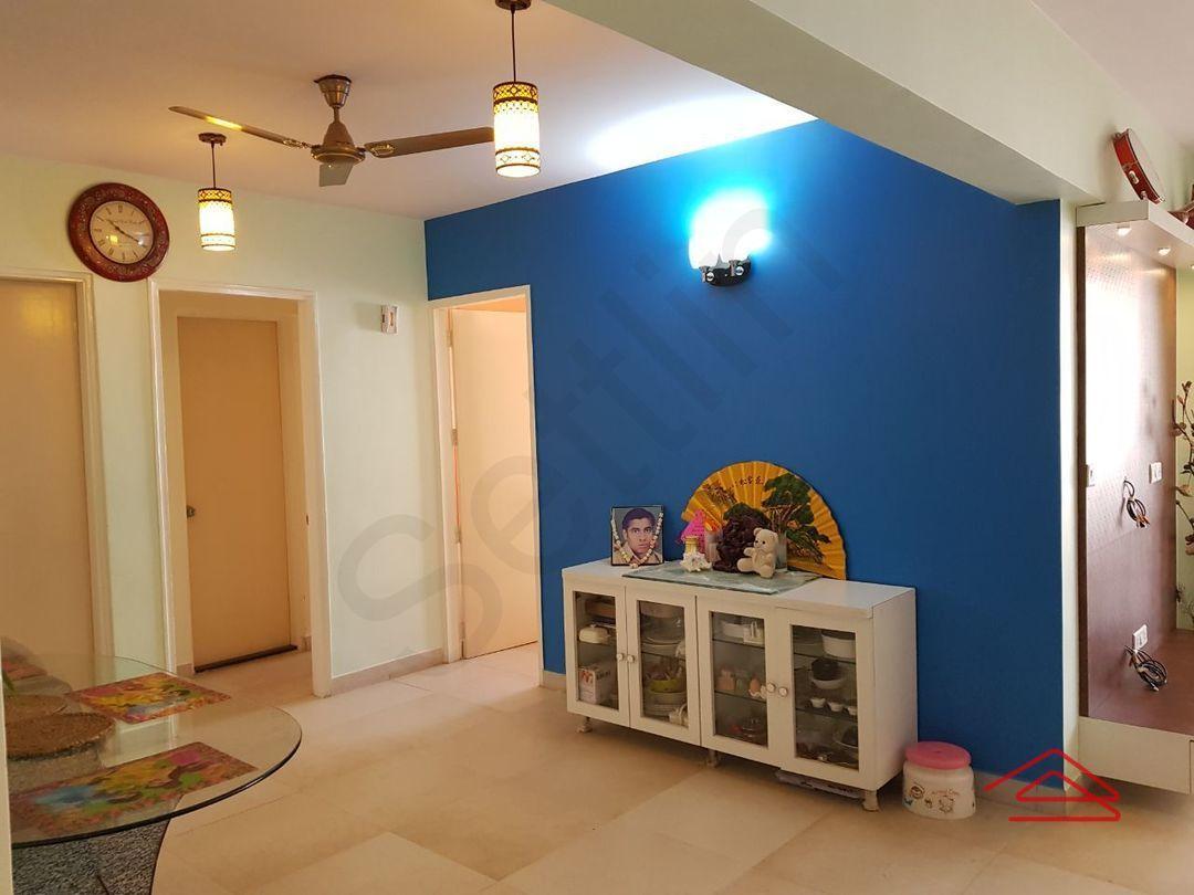 12M5U00381: Bedroom 1