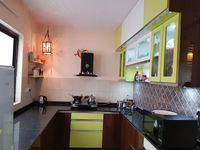 12M5U00381: Kitchen 1