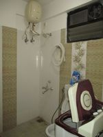 13A4U00069: Bathroom 2