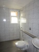 13M3U00026: Bathroom 2