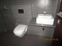 15A4U00289: Bathroom 1