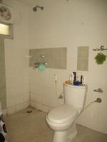 11J6U00048: Bathroom 3