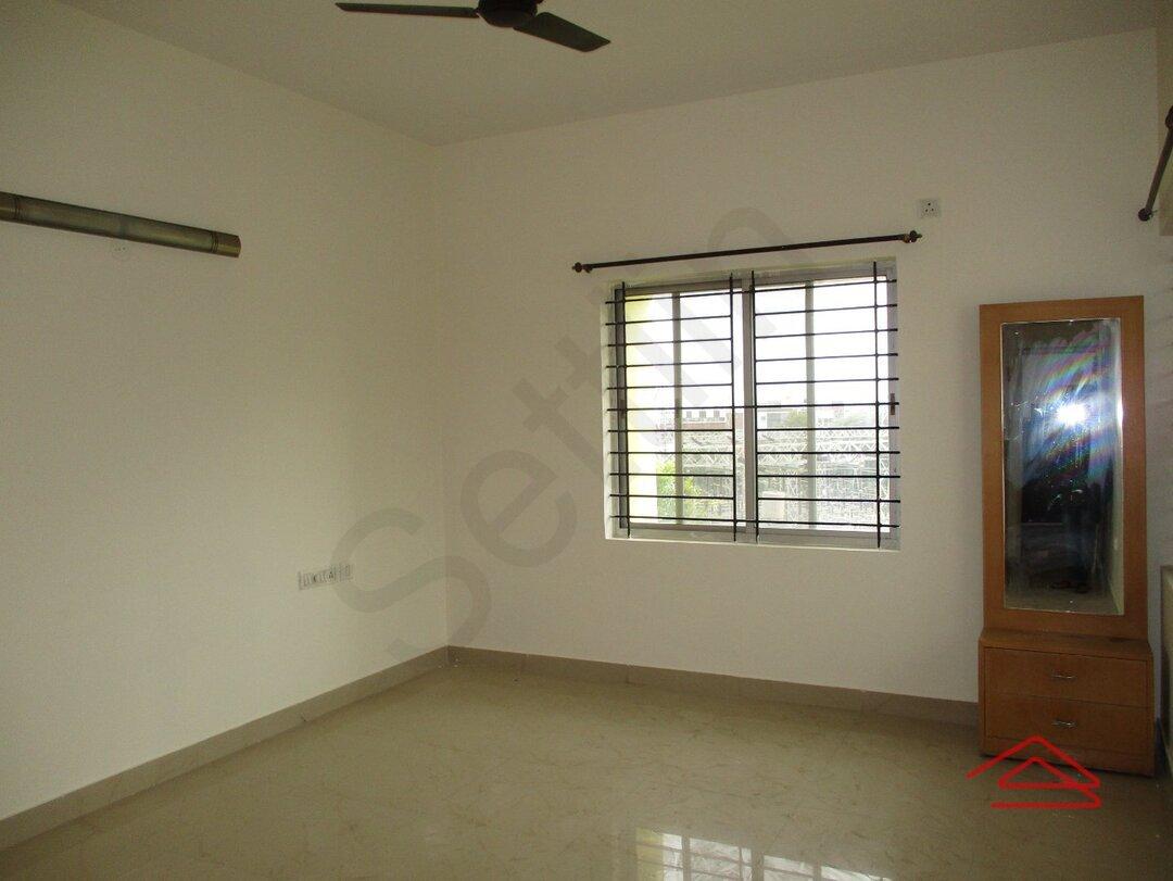 15A4U00459: Bedroom 1