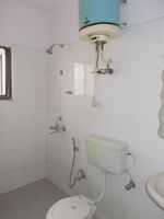 13A4U00033: Bathroom 1