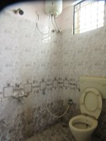 13DCU00461: Bathroom 1