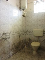 13DCU00461: Bathroom 2