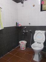 13A8U00033: Bathroom 1