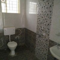 13M5U00594: Bathroom 1
