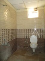 15F2U00339: Bathroom 1