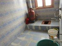 13S9U00046: bathrooms 1