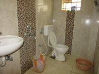 13S9U00003: Bathroom 1