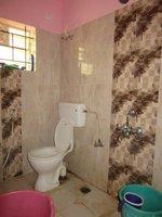 13S9U00003: Bathroom 2