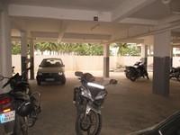 11J6U00132: parking 1