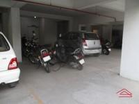 11F2U00310: Parking