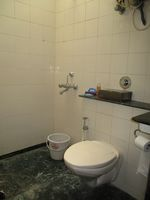 13M5U00186: Bathroom 1