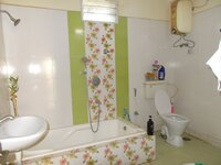 14DCU00141: Bathroom 2