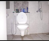 14A4U00018: Bathroom 1