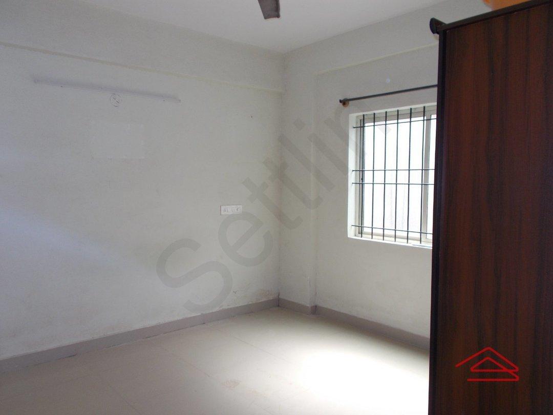 13S9U00054: Bedroom 1