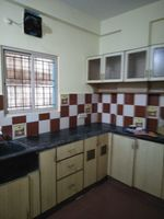 12J7U00351: Kitchen 1