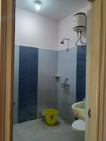 13NBU00282: Bathroom 2
