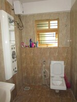 14NBU00240: Bathroom 2
