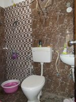 13F2U00010: Bathroom 2