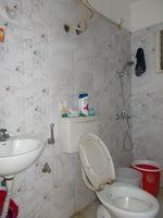 13F2U00010: Bathroom 1