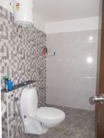13M3U00396: Bathroom 2