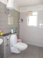 13M3U00396: Bathroom 1