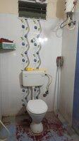 15F2U00353: Bathroom 2